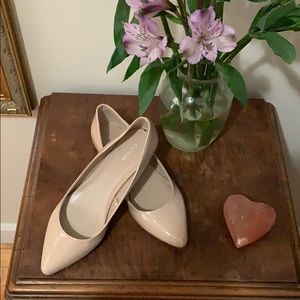 Nude patent flats